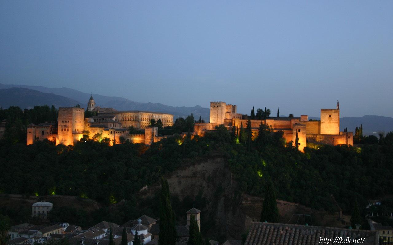 グラナダ アルハンブラ宮殿夜景
