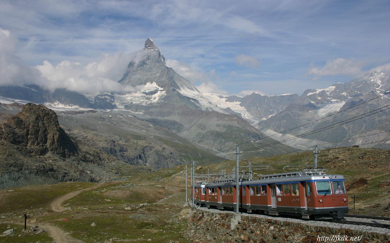 マッターホルンと登山列車
